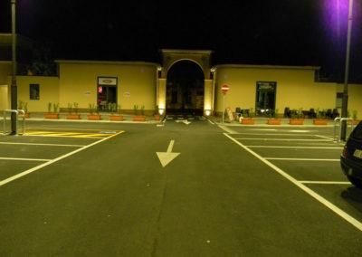 illuminazione parcheggio centro commerciale